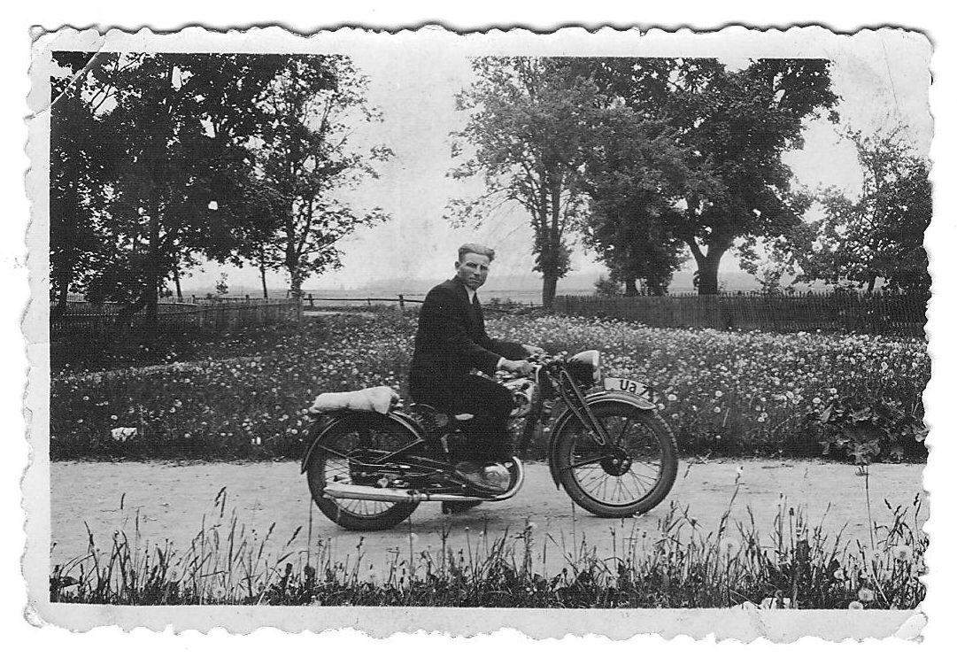 Kunigas Valentas Balcius. Apie 1938 m._asmen.nuotr