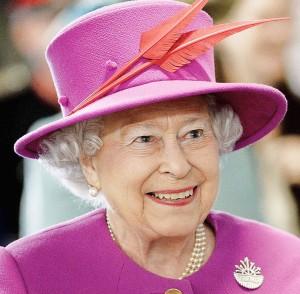 Karaliene_Elizabeth_II_2015
