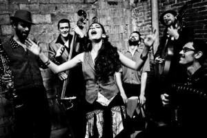 muzikine grupe is Ispanijos.gipsy-klezmer-orchestra