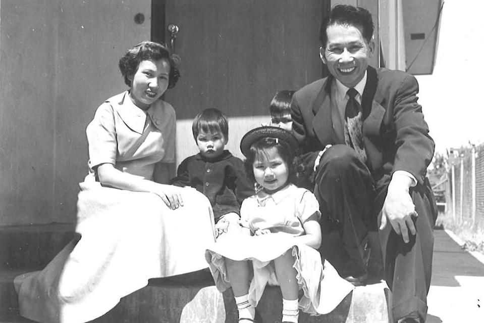 Amy Tan vaikystėje, su tėvais ir broliais | asmeninė nuotr.