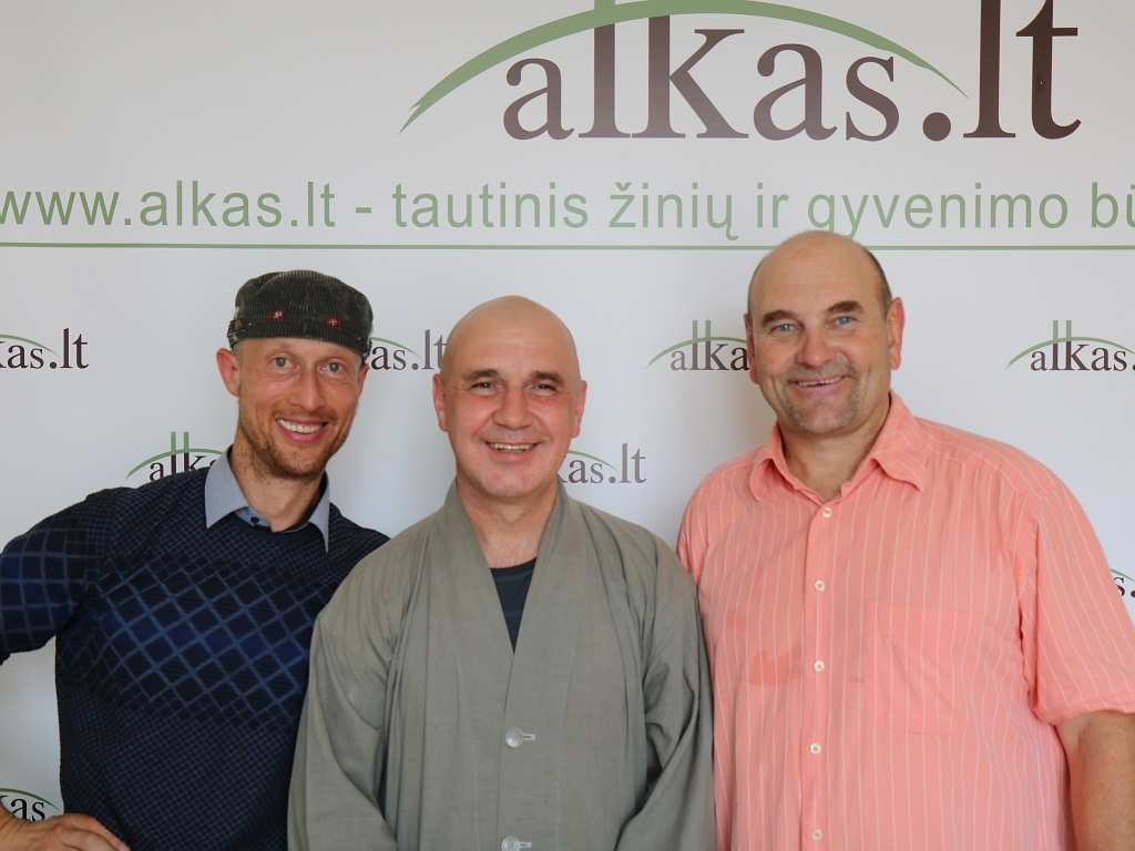 Vytautas Nosevičius, Kęstutis Marčiulynas Bo Haeng Sunim ir Gerimantas Statinis   alkas.lt nuotr.