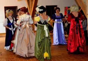 Kidulių dvaro rūmų šokių kolektyvas   T. Kukausko nuotr.