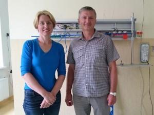 Kazickų šeimos fondo direktorė N. Baumilienė ir prof. R. Kėvalas. Kauno klinikų nuotr.
