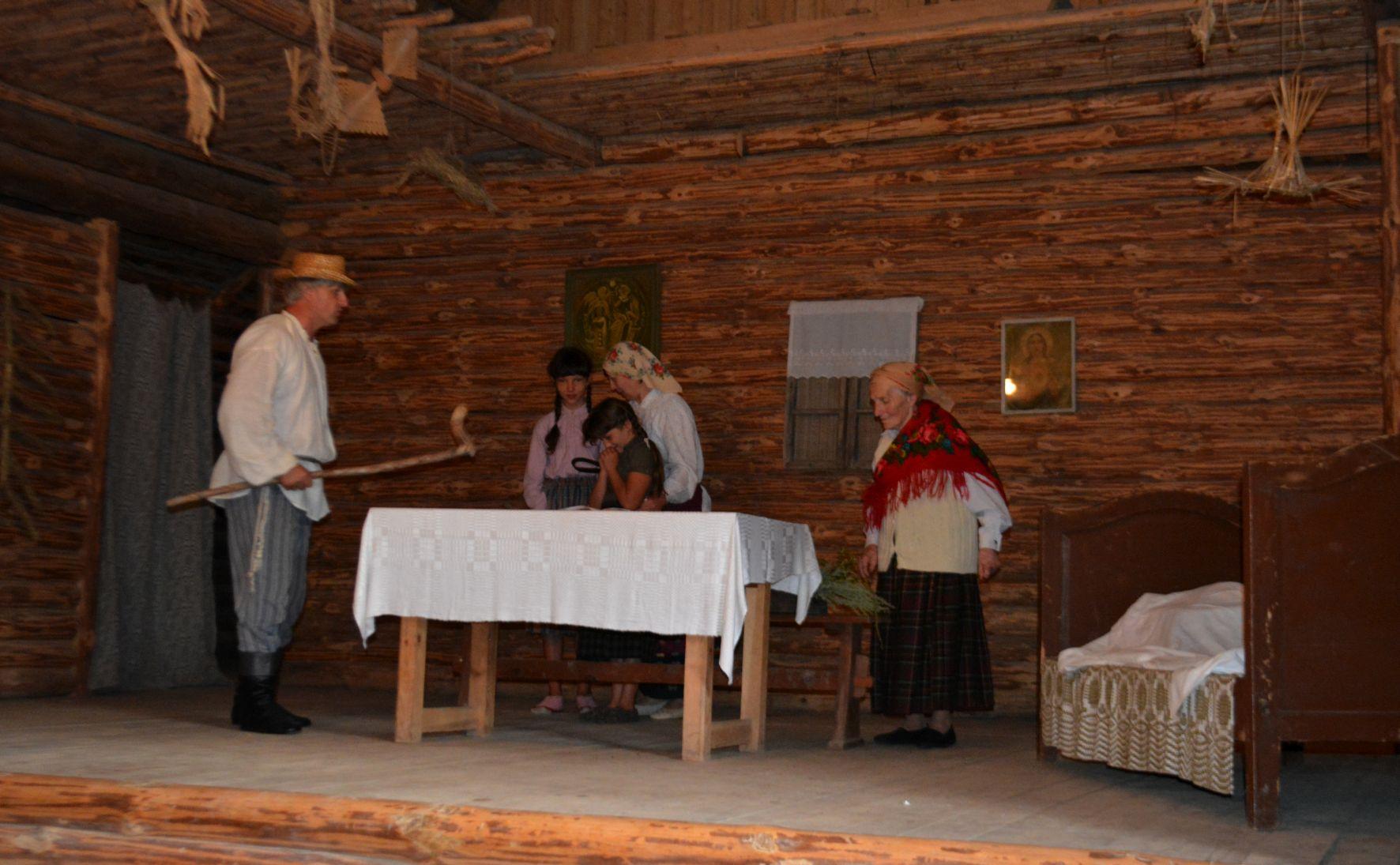 margioniu-klojimo-teatras-margioniskiai-vaidina-rengeju nuotr