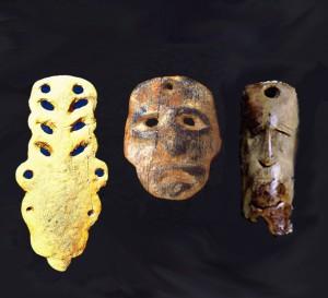Akmens amžiaus amuletai iš Kretuono   Alkas.lt koliažas