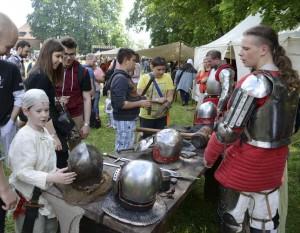 Į Trakų pilį kviečia Senųjų amatų dienos | trakaimuziejus.lt, A. Valužio nuotr.