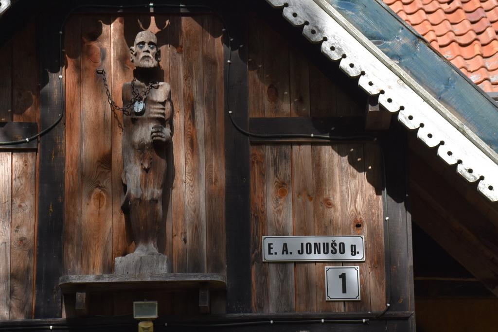 Gatvei Nidoje suteiktas Eduardo Antano Jonušo vardas | Neringos savivaldybės administracijos nuotr.