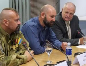 Ukrainos gynėjai susitiko su žiniasklaida nepaisant Seimo kanceliarijos trukdžių | Alkas.lt, J. Vaiškūno nuotr.