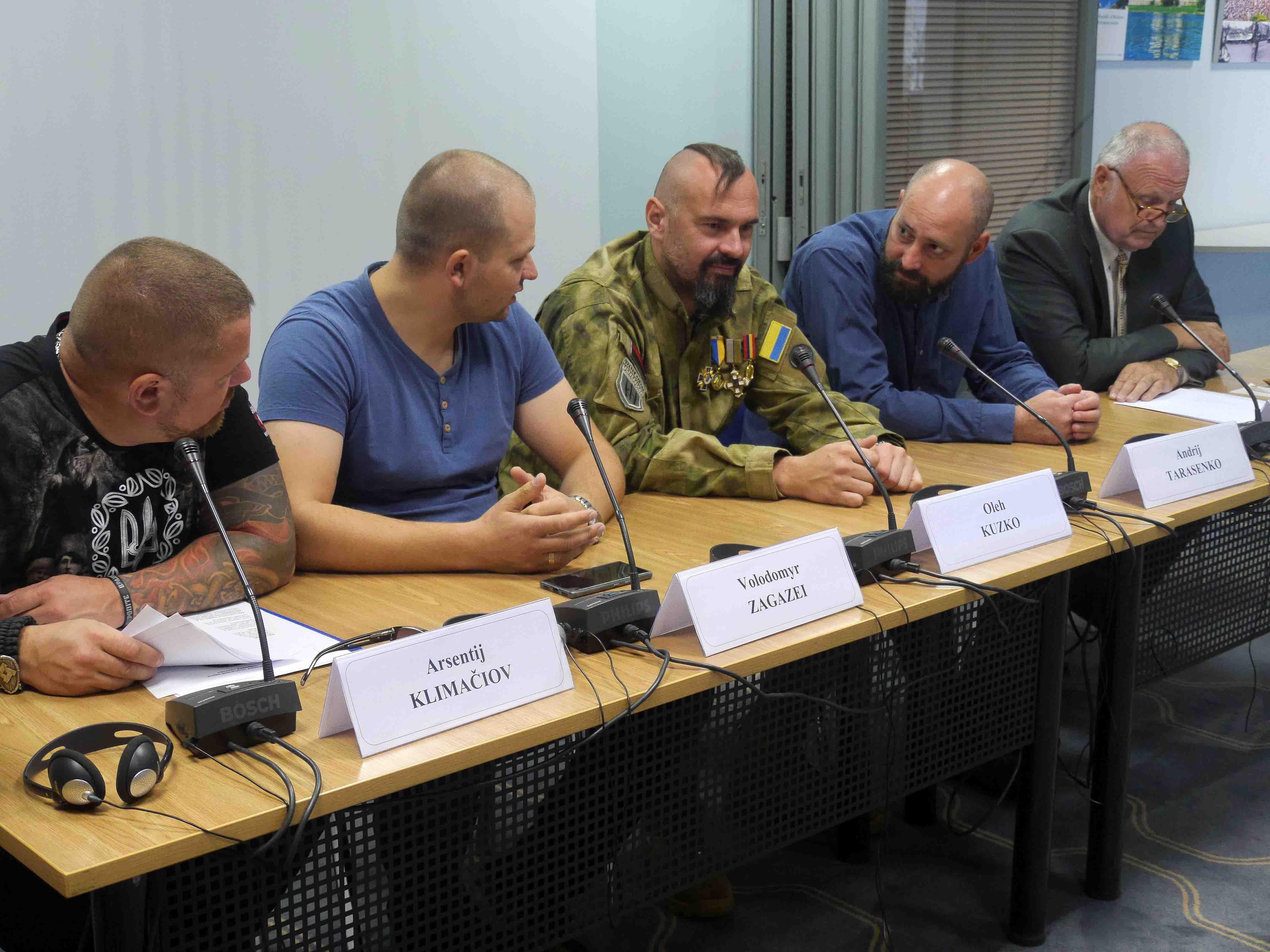 Ukrainos gynėjai susitiko su žiniasklaida | Alkas.lt, J. Vaiškūno nuotr.