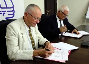 Bendradarbiavimo sutarties pasirašymas | International Eurasia Press Fund nuotr.