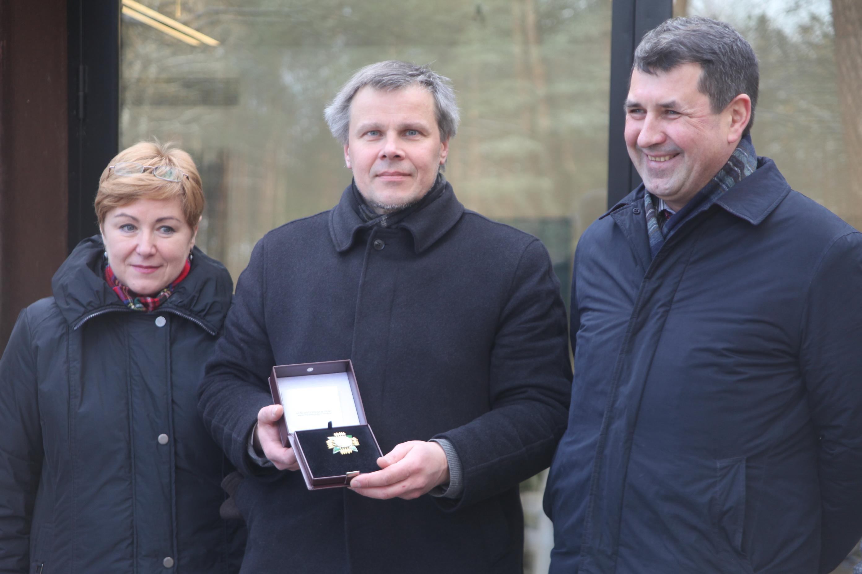 lr-kulturos-ministerijos-atstovai-ir-gintaras-karosas-europos-parko-edukacijos-centre