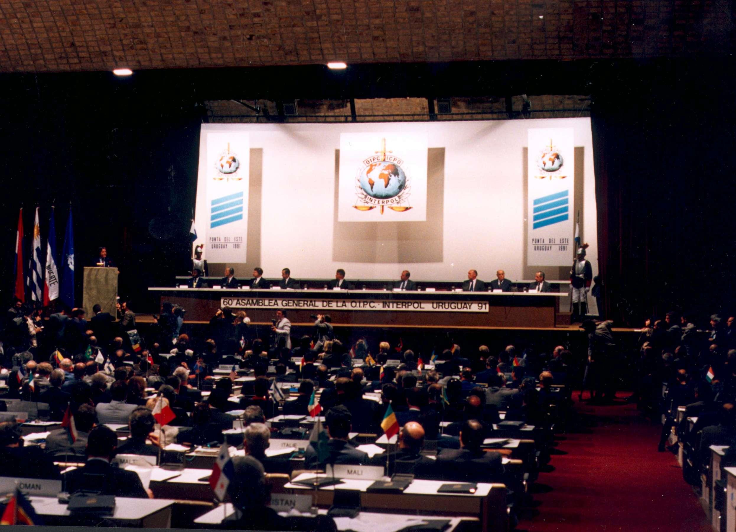 60-osios Interpolo-Generalinės Asamblėjos sesijos atidarymas 1991 m. lapkričio 4 d. | rengėjų nuotr.