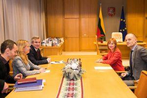 svietimo-ministre-susitikime-su-seimo-pirmininku_lrs-lt