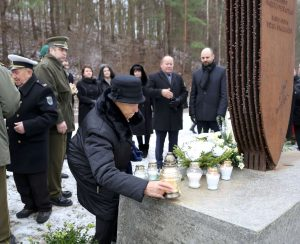Generolo K. Veverskio žūties vietoje paminėtas LLA 75-metis | rengėjų nuotr.