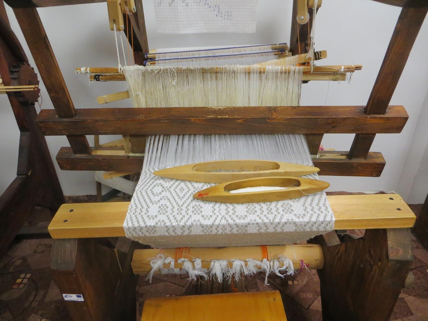 Keturnytas audinys skirtas rankšluosčiams