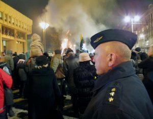 Sąjūdžio valanda prie atminimo laužų prie Lietuvos Respublikos Seimo rūmų, 2014-01-12 | P. Šimkavičiaus nuotr.