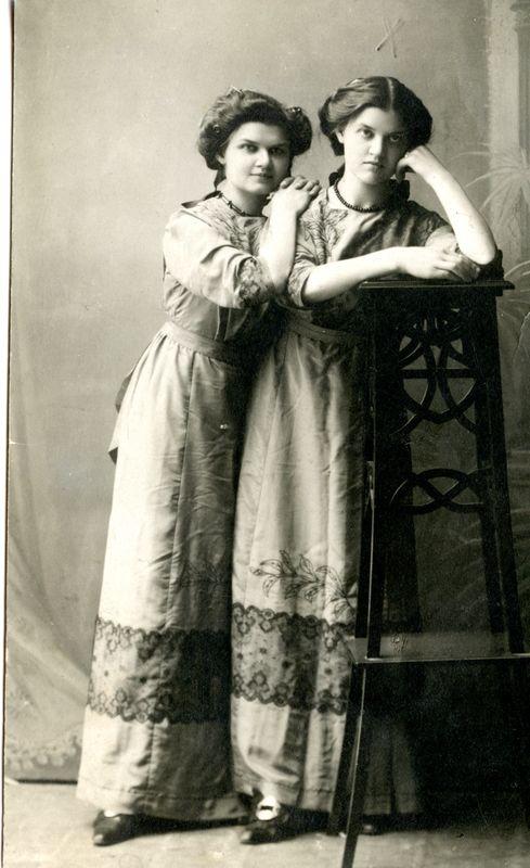Paulina ir Mikalina Glemzaites_limis.ltL