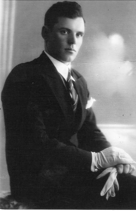 Janinos Čibirienės dėdė Vladas Lukoševičius. Jelgava. 1938