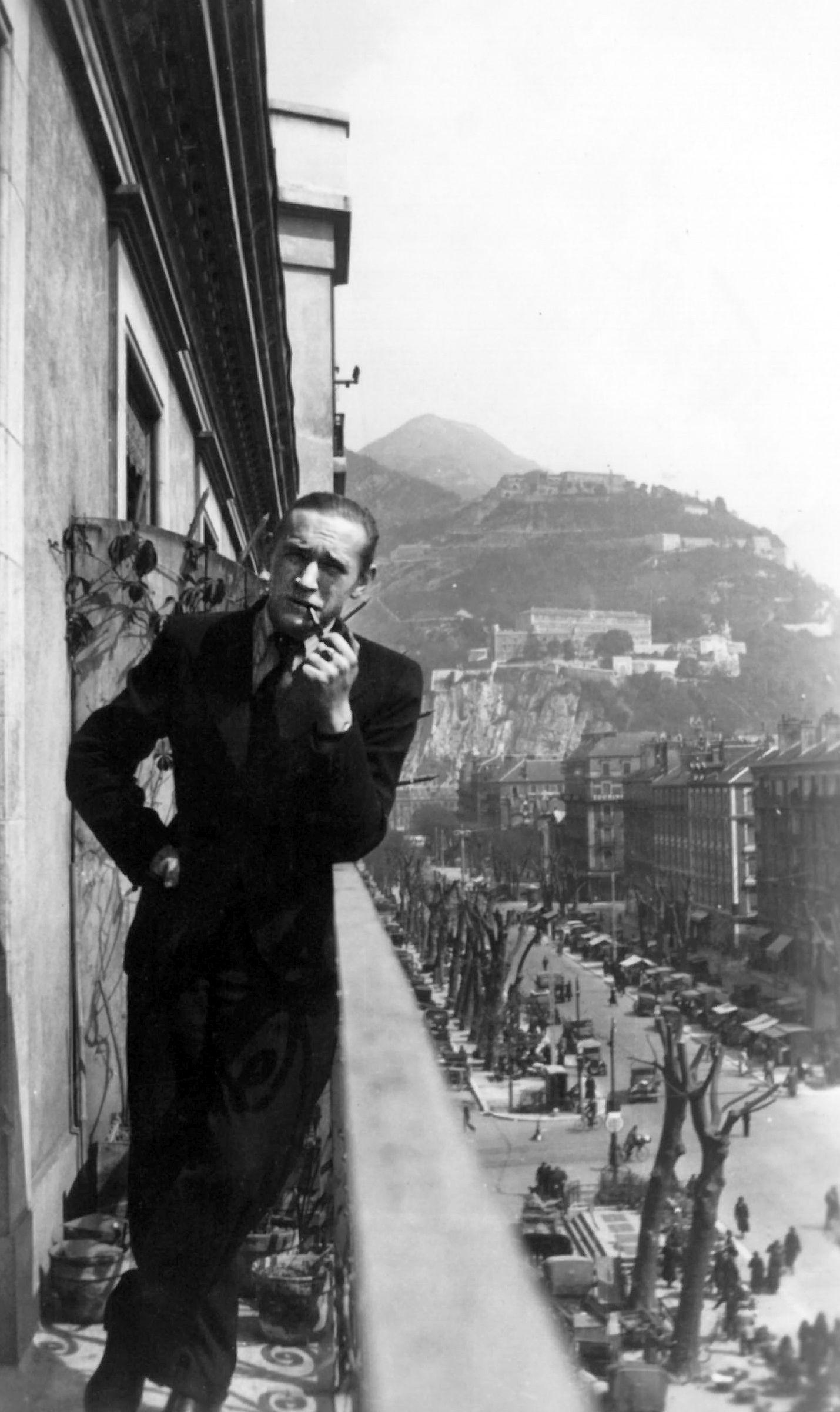 A. J. Greimas Grenoblyje. 1937 m. Seimos archyvas