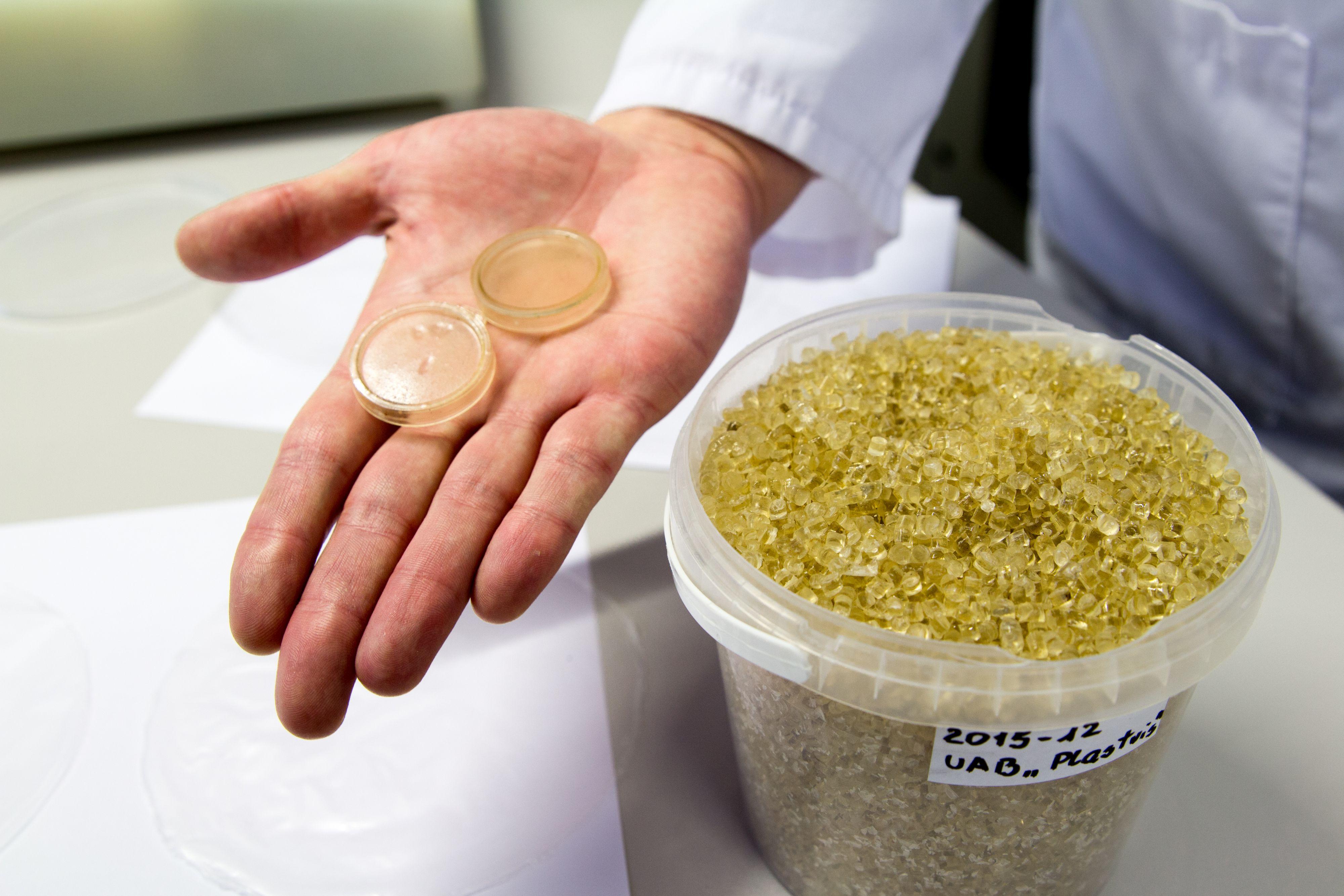 Bioplastiko_granules_ktu.lt