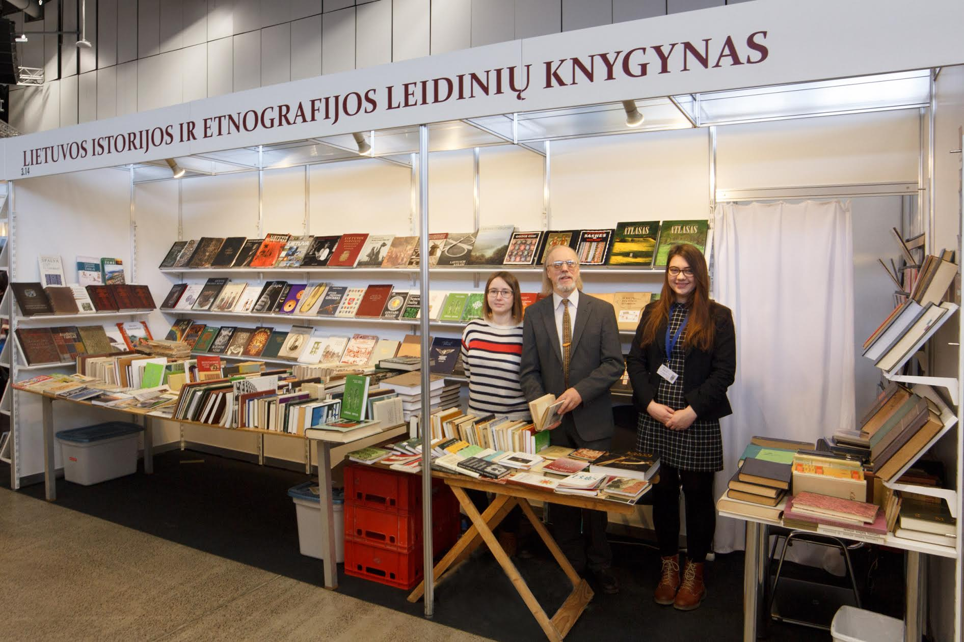 Lietuvos istorijos ir etnografijos leidinių knygynas, trečiojoje salėje, stendo Nr. 3.14 | Rengėjų nuotr.