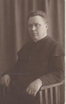 Kunigas Petras Kraujalis (1882–1933) – vienas iš Mogiliovo lietuvių tautos tarybos vadovų, Rusijos lietuvių seimo dalyvis. 1922. LMAVB RS, F165-437, lap. 27 | parodos nuotr.
