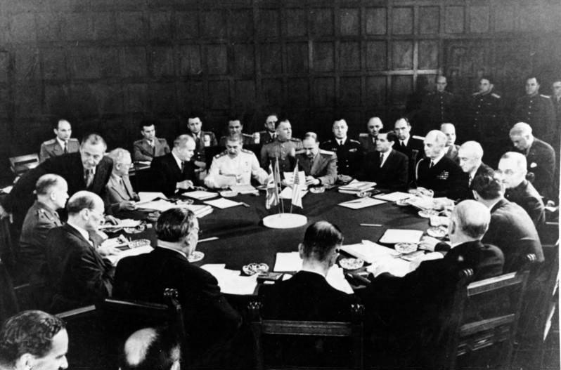 Potsdamo konferencijos dalyviai bendrame posėdyje | archyvinė nuotr.