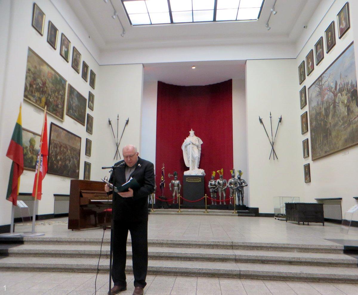Minėjimą savo poetiniu žodžiu pradėjo ats. mjr. Gediminas Reutas | A. Grigaitienės ir R. Kazakevičiuaus nuotr.