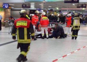 Teroristo išpuolis Diuseldorfe | youtube.com stop kadras