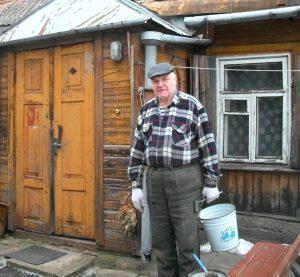 Vilnius, Žvėrynas, Sakalų g. 14. Valerijus: skalbimo diena. | A. Stabrausko nuotr.