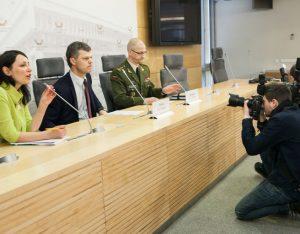 Spaudos konferencija, kurioje pristatytas grėsmių nacionaliniam saugumui vertinimas | lrs.lt, Dž. G. Barysaitės nuotr.