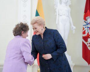 Prezidente apdovanoja mamas_lrp.lt