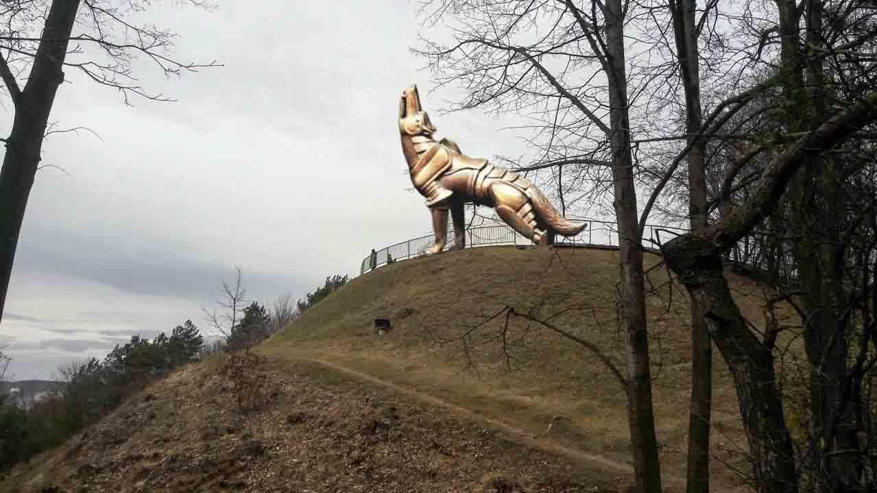 gelezinis-vilkas-l-litvinaviciaus-montazas