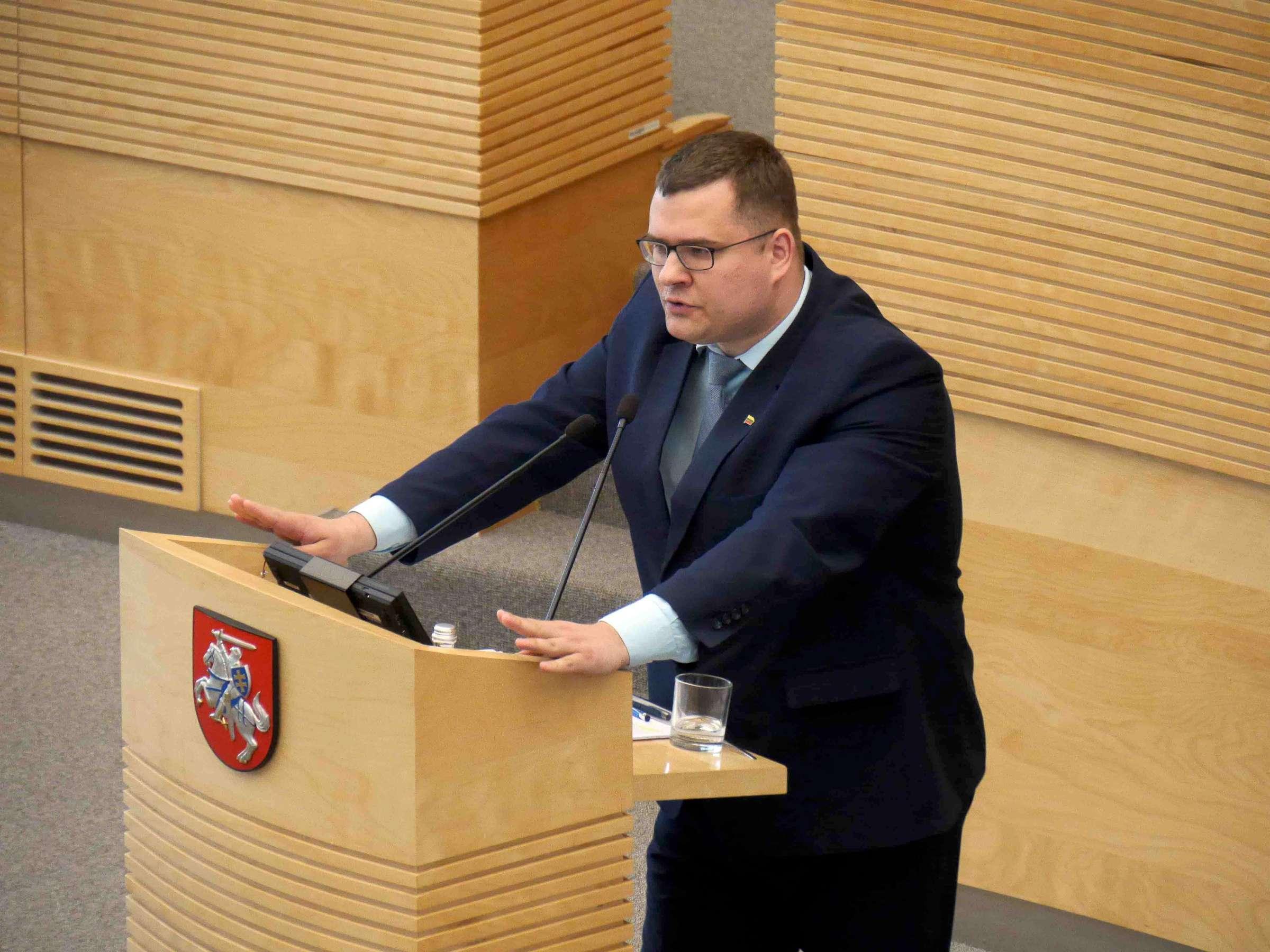 Įstatymo projektą pristato TS-LKD frakcijos narys Laurynas Kasčiūnas | Alkas.lt, J. Vaiškūno nuotr.