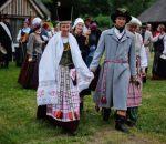 akimirka iš vestuvių, vykusių pagal XIX Mažosios Lietuvos amžiaus papročius   Neringa.lt nuotr.