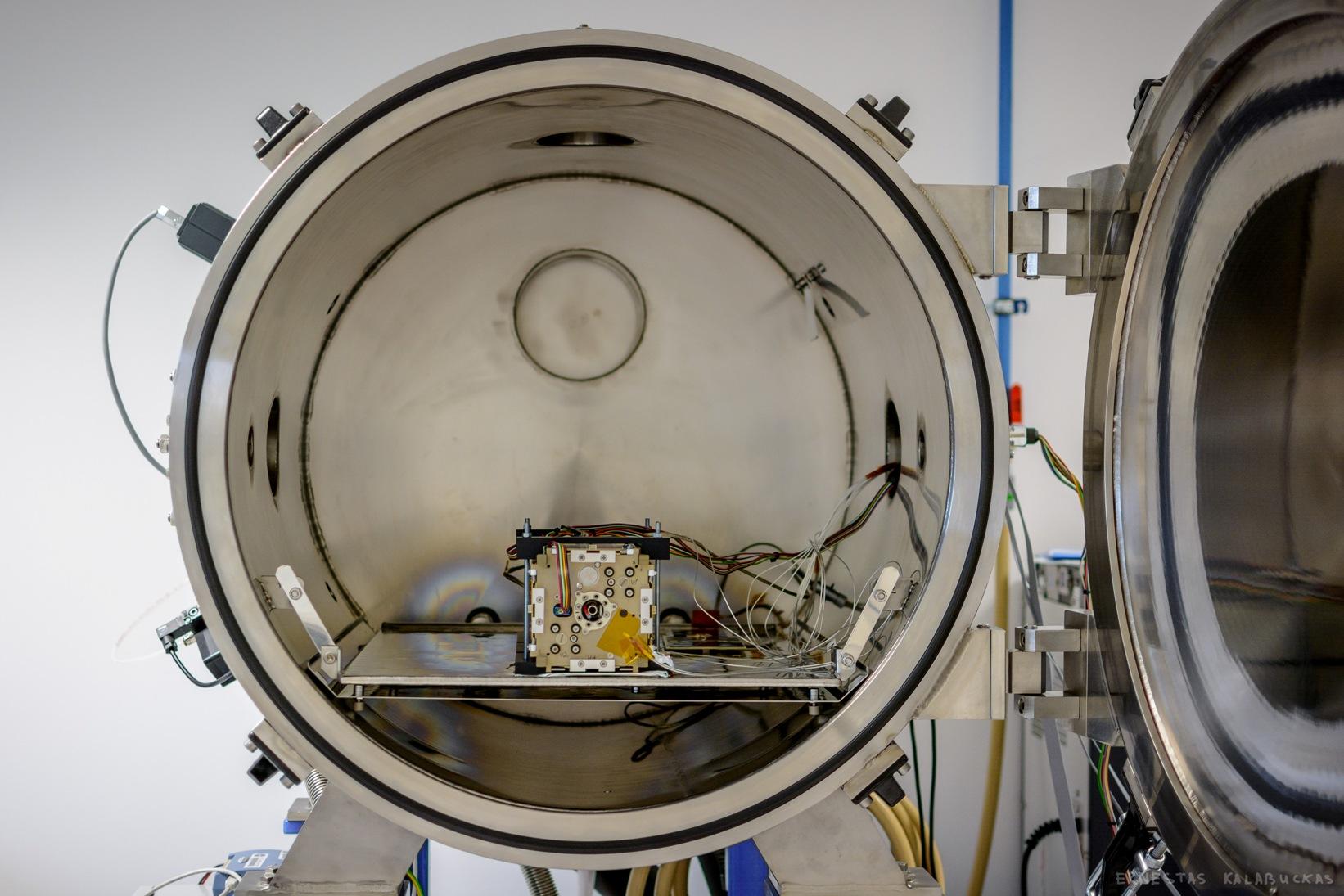 LituanicaSAT2 isbandymas vakuume _BendrovesNanoAvionics nuotr