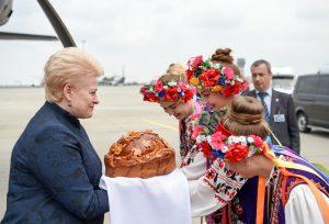 Prezidentes sutikimas Ukrainoje_lrp.lt