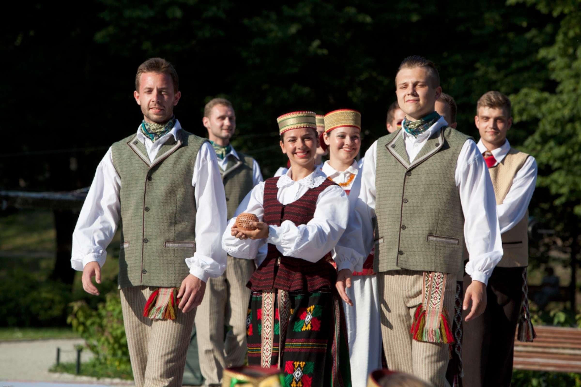 """Tautinio kostiumo konkursas """"Išausta tapatybė"""" _LNKC nuotr -2400"""