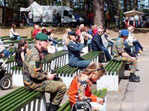 Valstybės dieną ignaliniečiai šventė kartu su kariuomene | P. Šimkavičiaus nuotr.