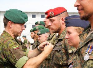 Apdovanoti tarnybą Lietuvoje baigiantys NATO Vokietijos kontingento kariai | KAM, V. Lisauskienės nuotr.