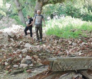 Pasivaikščiojimas po nugriauto XVIII a. Garuozos dvaro griuvenas | Alkas.lt, T. Baranausko nuotr.