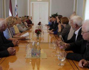 Lietuvos Tautinių bendrijų tarybos atstovai susitiko su Latvijos Respublikos Prezidentu | TMD nuotr.