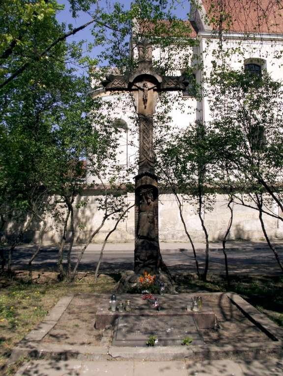 4.1863 m. sukilimo vadų žūties vieta Lukiškių aikštėje-K100