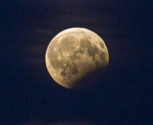Dalinis mėnulio užtemimas | Alkas.lt, A. Sartanavičiaus nuotr.