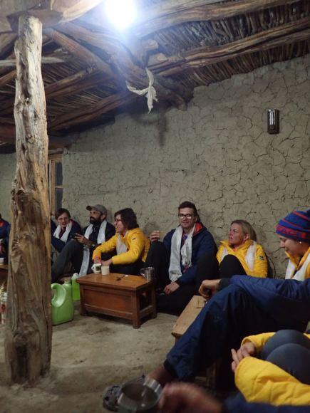 Aurimas Viržintas kartu su kitais savanoriais diegė elektrą atokiame himalajų kaime   Asmeninė nuotr.