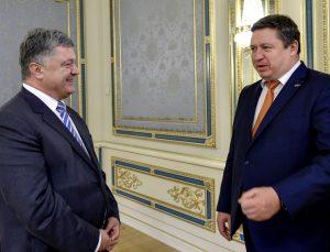 Ukrainos prezidentas Petro Porašenko ir Lietuvos krašto apsuagos ministras Raimundas Karoblis | kam.lt, M. Lazarenko nuotr.