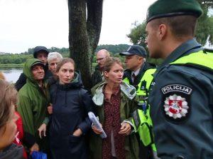 Policija išvaiko jėga ir suima medžių gynėjus Kaune | Alkas.lt nuotr.