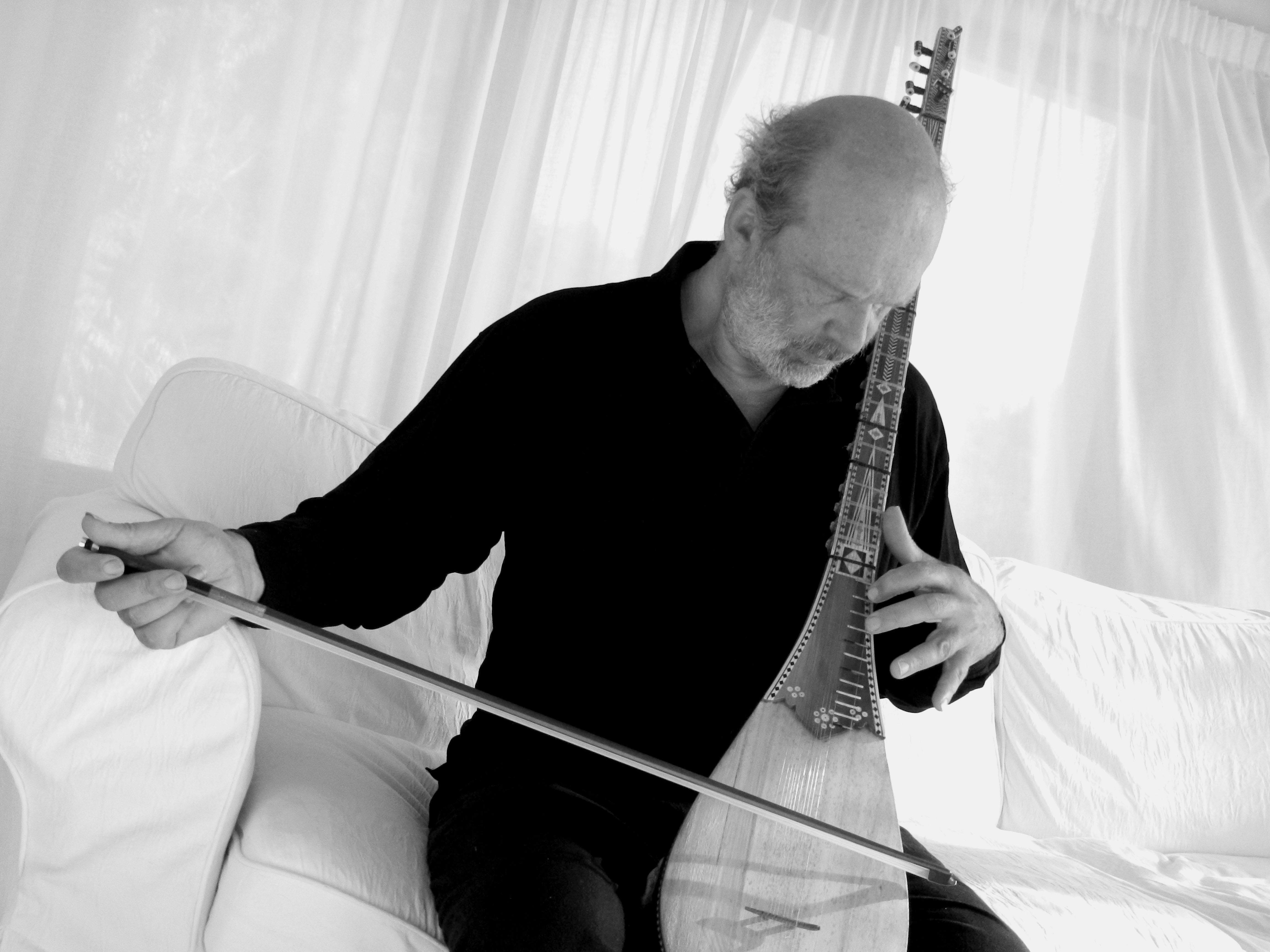 Įvyks Vokietijos multiinstrumentalisto, dainininko ir etnomuzikologo – Stefano Mikaus, kuriamos muzikos pristatymas | Rengėjų nuotr.