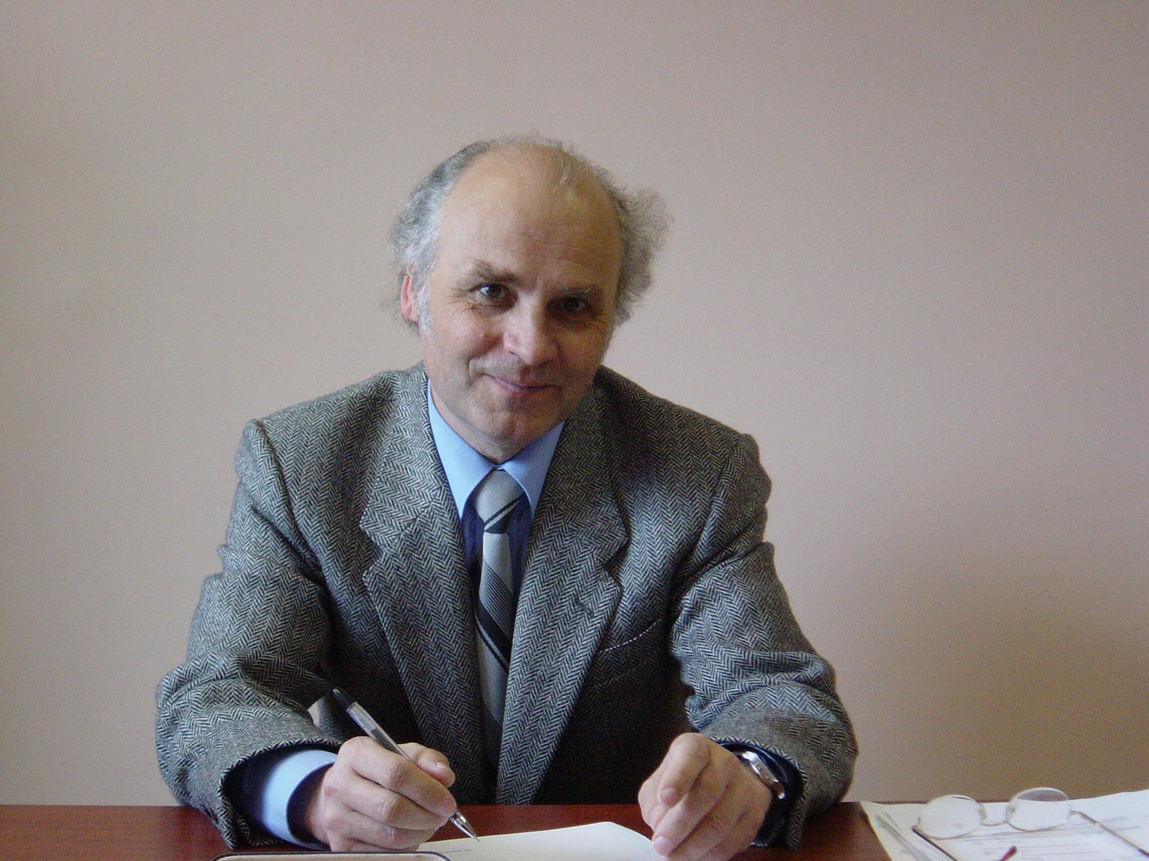 SSodininkystės ir daržininkystės instituto Biochemijos ir technologijos laboratorijos vedėjo, KTU prof. Pranas Viškelis | KTU nuotr.
