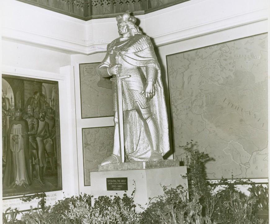Vytautas-Didysis-Lietuvos-paviljono-Garbės-salėje-pasaulinėje-parodoje-Niujorke.-1939-m